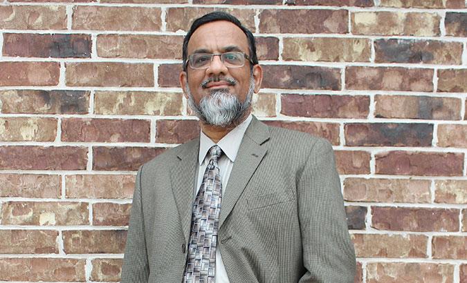 Meet DR. Mustafa Naeem